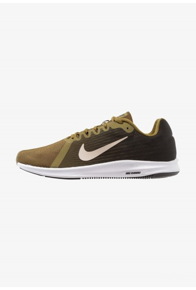 Black Friday 2019 - Nike DOWNSHIFTER 8 - Chaussures de running neutres olive flak/string/sequoia/hyper crimson/black/white