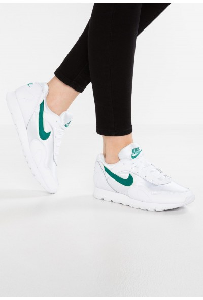 Nike OUTBURST - Baskets basses white/opal green
