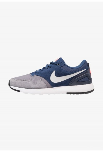 Nike AIR VIBENNA SE - Baskets basses gunsmoke/vast grey/navy/hot punch/obsidian