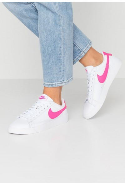 Black Friday 2019 - Nike BLAZER - Baskets basses white/laser fuchsia