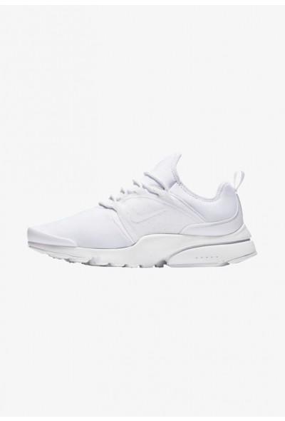 Nike Baskets basses  white