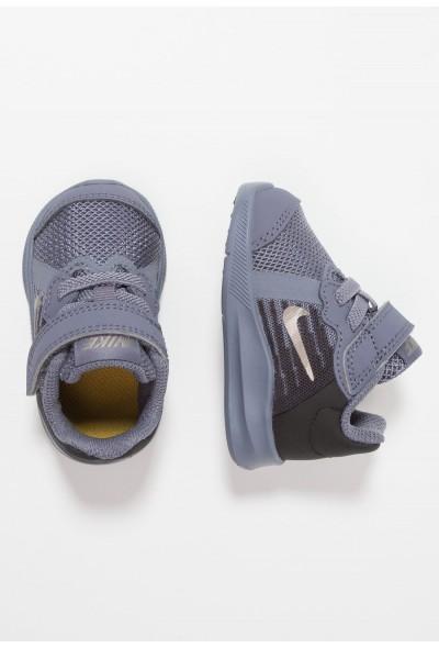 Nike DOWNSHIFTER  - Chaussures de running neutres light carbon/metallic pewter/peat moss