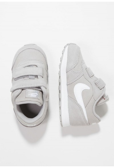 Nike NIKE MD RUNNER 2 - Chaussures premiers pas atmosphere grey/white