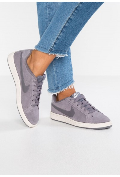 Nike COURT ROYALE SUEDE - Baskets basses gunsmoke/phantom