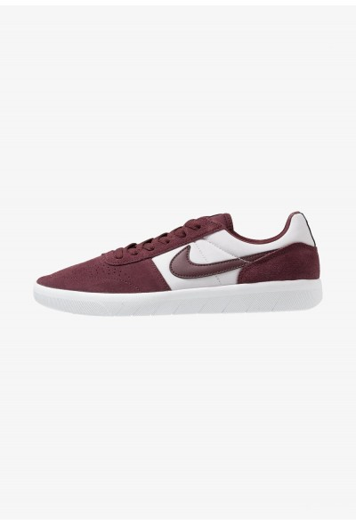 Nike TEAM CLASSIC - Baskets basses burgundy crush/white/vast grey