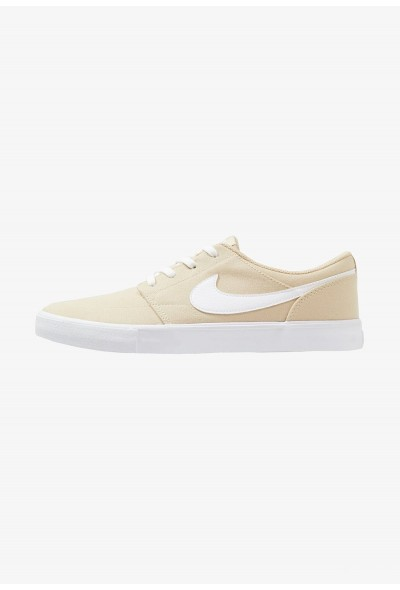 Nike PORTMORE II SS CNVS - Baskets basses desert ore/white