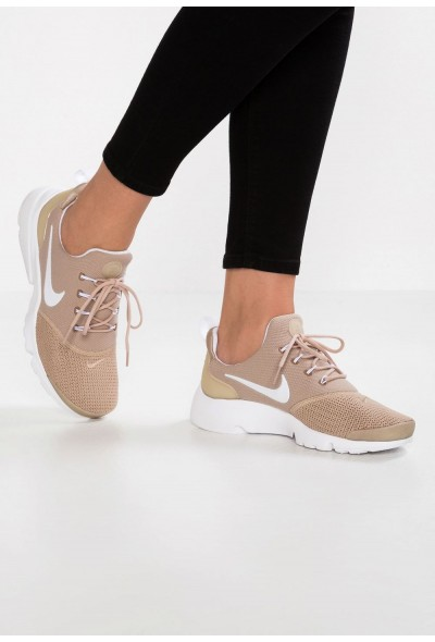 Nike PRESTO FLY - Baskets basses sand/white