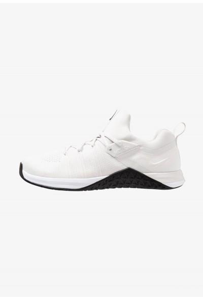 Nike METCON FLYKNIT 3 - Chaussures d'entraînement et de fitness white/platinum tint/black