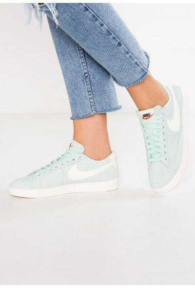 Nike BLAZER LOW SD - Baskets basses igloo/sail