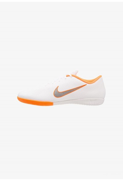 Nike MERCURIAL VAPORX 12 ACADEMY IC - Chaussures de foot en salle white/chrome/total orange