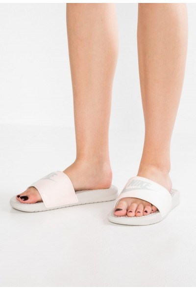 Nike BENASSI JDI - Mules light bone/sail/crimson tint
