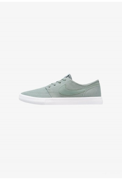 Nike PORTMORE II SS CNVS - Baskets basses clay green/black/white