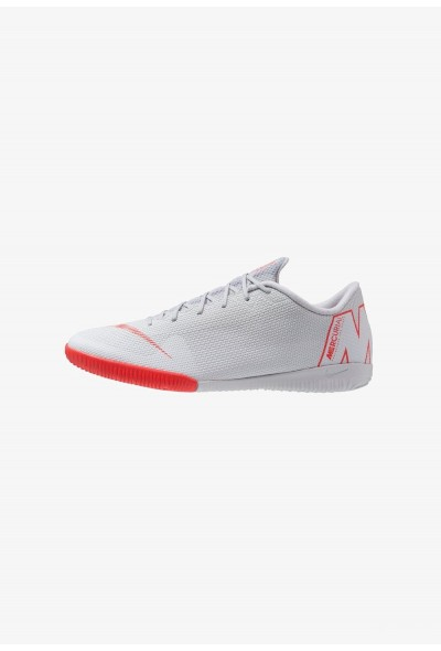 Nike MERCURIAL VAPORX 12 ACADEMY IC - Chaussures de foot en salle wolf grey/light crimson/pure platinum/metallic silver/chile red