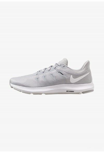 Nike QUEST - Chaussures de running neutres grey
