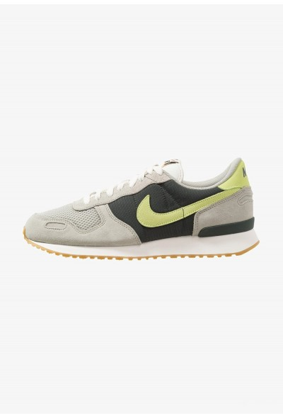 Nike AIR VORTEX - Baskets basses spruce fog/volt glow/outdoor green/sail/light brown/team orange