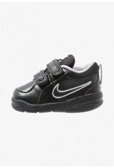 Nike PICO 4 - Chaussures d'entraînement et de fitness black/metallic silver