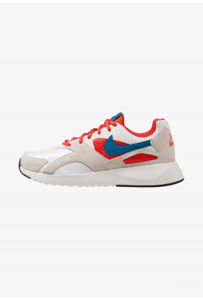 Nike PANTHEOS - Baskets basses summit white/green abyss/habanero red/sail