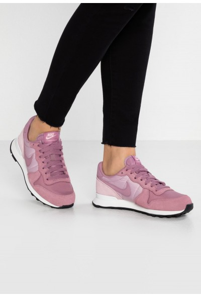 Nike INTERNATIONALIST - Baskets basses plum dust/plum chalk/black/celery/summit white