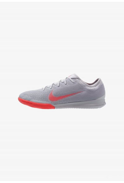 Nike MERCURIAL VAPORX 12 PRO IC - Chaussures de foot en salle wolf grey/bright crimson/pure platinum