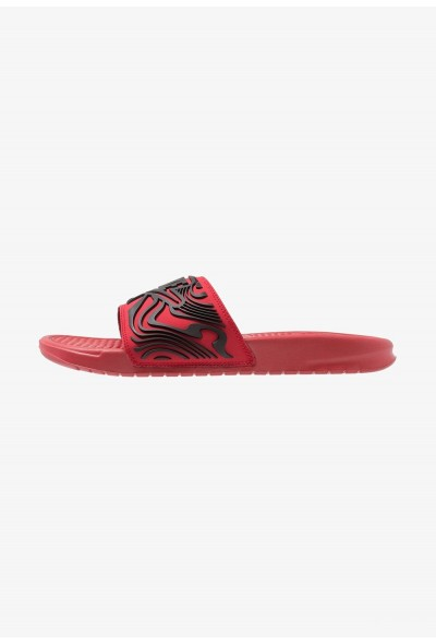 Nike BENASSI JDI SE - Mules gym red/black