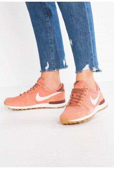 Nike INTERNATIONALIST - Baskets basses terra blush/guava ice/summit white/light brown/red sepia