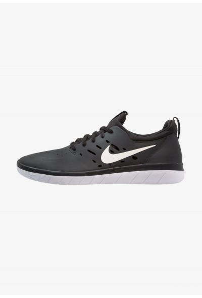 Nike NYJAH FREE - Baskets basses black/white
