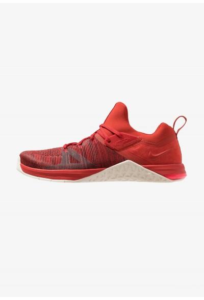 Nike METCON FLYKNIT 3 - Chaussures d'entraînement et de fitness mystic red/sail/red orbit