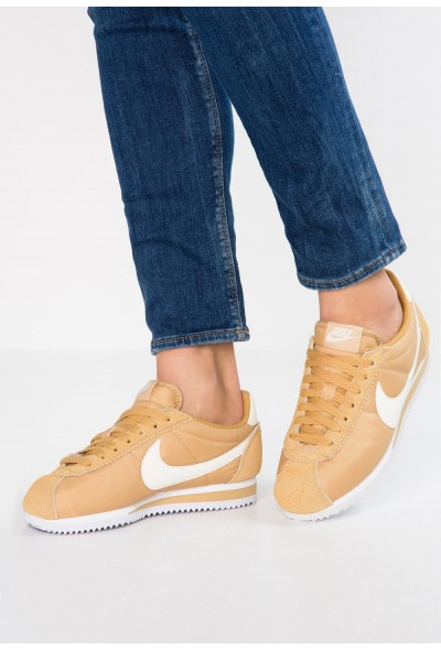 Nike CLASSIC CORTEZ - Baskets basses club gold/sail/white