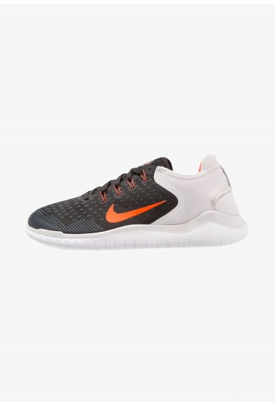 Nike FREE RN 2018 - Chaussures de course neutres black/total crimson/vast grey