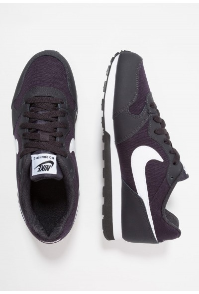 Nike MD RUNNER 2 - Baskets basses oil grey/white/black
