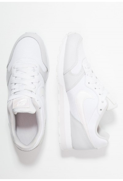 Nike MD RUNNER  - Baskets basses white/vast grey