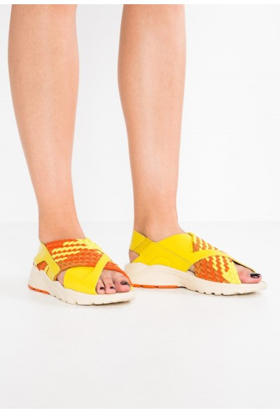 Nike AIR HUARACHE RUN - Sandales bright citron/monarch/campfire orange/camper green/beach
