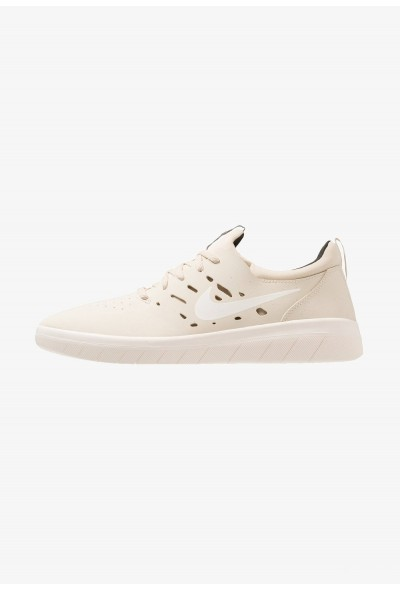 Nike NYJAH FREE - Baskets basses beach/sail/sequoia