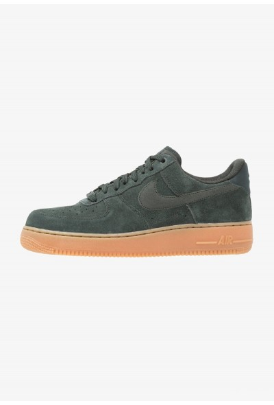 Nike AIR FORCE 1 07 LV8 SUEDE - Baskets basses outdoor green/medium brown/ivory