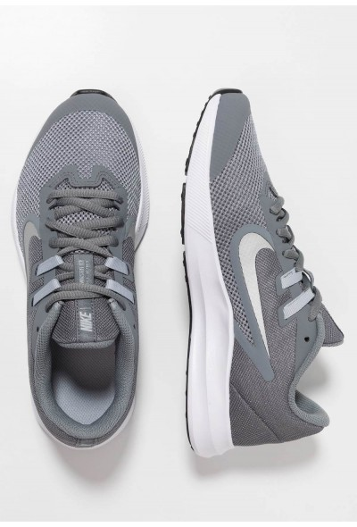Nike DOWNSHIFTER 9 - Chaussures de running neutres cool grey/metallic silver/wolf grey/black