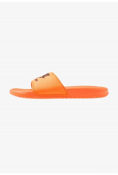 Nike BENASSI JDI SE - Mules total orange/black
