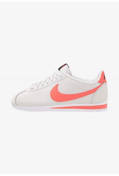 Black Friday 2019 - Nike CLASSIC CORTEZ - Baskets basses platinum tint/bright crimson/black/white