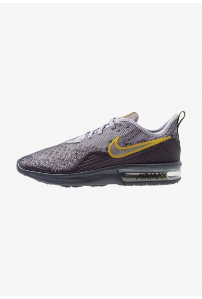 Nike AIR MAX SEQUENT 4 - Chaussures de running neutres gridiron/metallic pewter/provence purple/white/peat moss