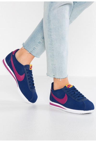 Nike CLASSIC CORTEZ - Baskets basses blue void/true berry/dark citron/white