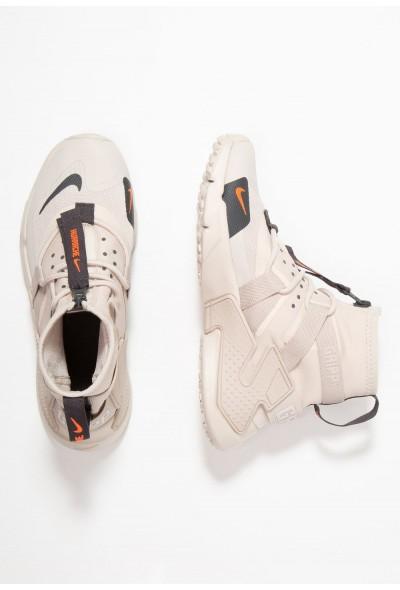 Nike HUARACHE GRIPP - Baskets montantes desert sand/string/hyper crimson/anthracite