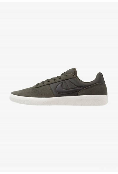 Nike TEAM CLASSIC - Baskets basses sequoia/black/phantom/olive flak