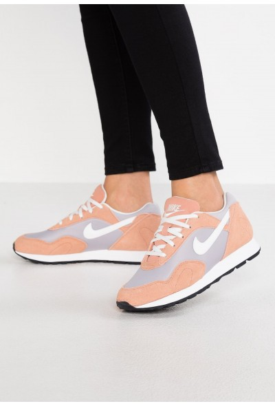 Nike OUTBURST - Baskets basses atmosphere grey/summit white/rose gold/black