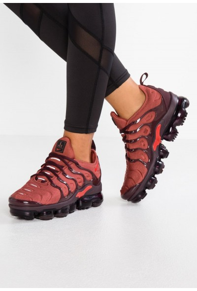 Nike VAPORMAX PLUS - Baskets basses burnt orange/habanero red