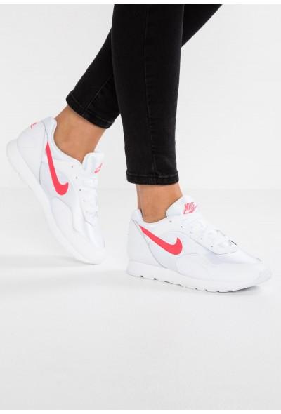 Nike OUTBURST - Baskets basses white/pure platinum