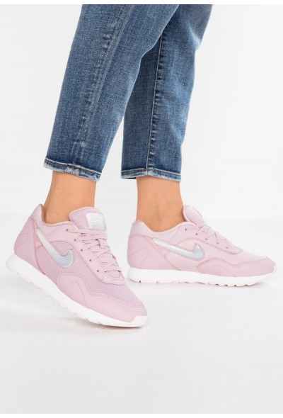 Nike OUTBURST PRM - Baskets basses plum chalk/celery/summit white/pale pink