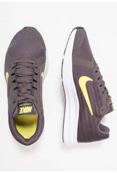Nike DOWNSHIFTER  - Chaussures de running neutres thunder grey/dynamic yellow/oil grey/black