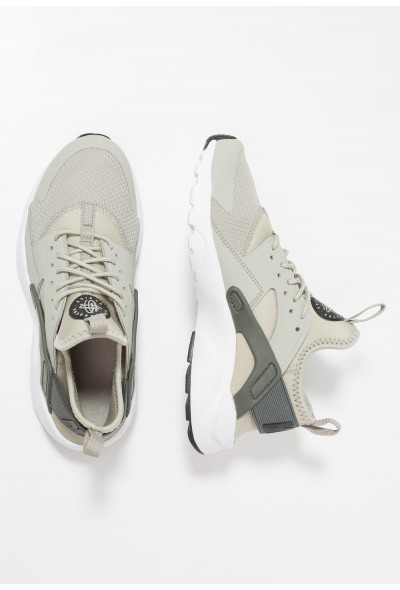Nike AIR HUARACHE RUN ULTRA - Baskets basses spruce fog/black/mineral spruce/white